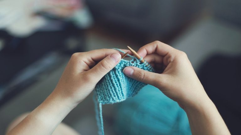 Arm Knitting: l'hobby che diventa fitness